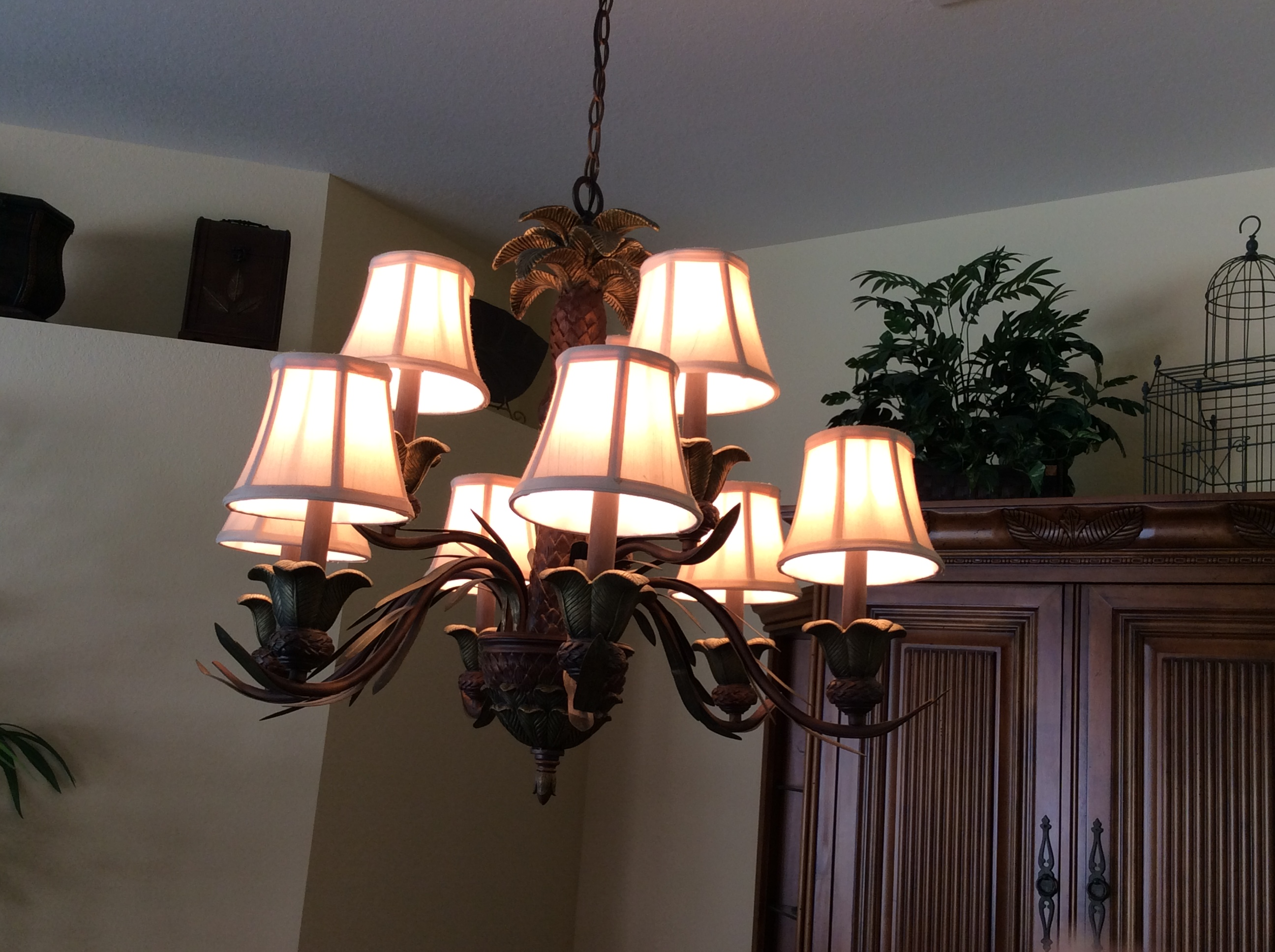 Classifieds nine palm trees decorate this two tier chandelier bulbs included call 239 947 8840 arubaitofo Choice Image